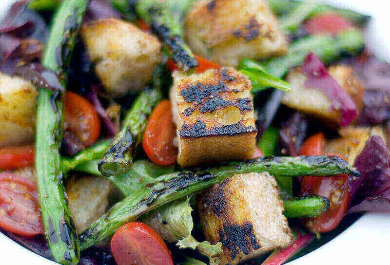 Image of Grilled Bread and Green Bean Salad with Kalamata Olives